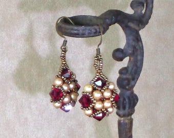 Beaded Red and Gold Earrings, Handmade Beaded Earrings, Victorian style earrings, woven bead jewelry, beaded Earrings, ed and gold earrings