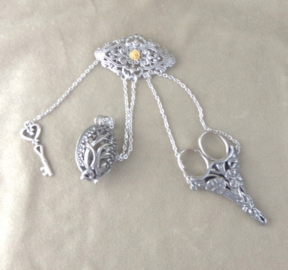 Reproduction Chatelaine, functional sewing chatelaine tools, Victorian sewing brooch, steampunk ladies chatelaine pin, chatelaine accessory