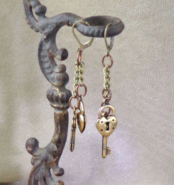 Lock and key earrings, brass lock and key, antique brass steampunk earrings, dangle steampunk earrings, steampunk lock and key earrings