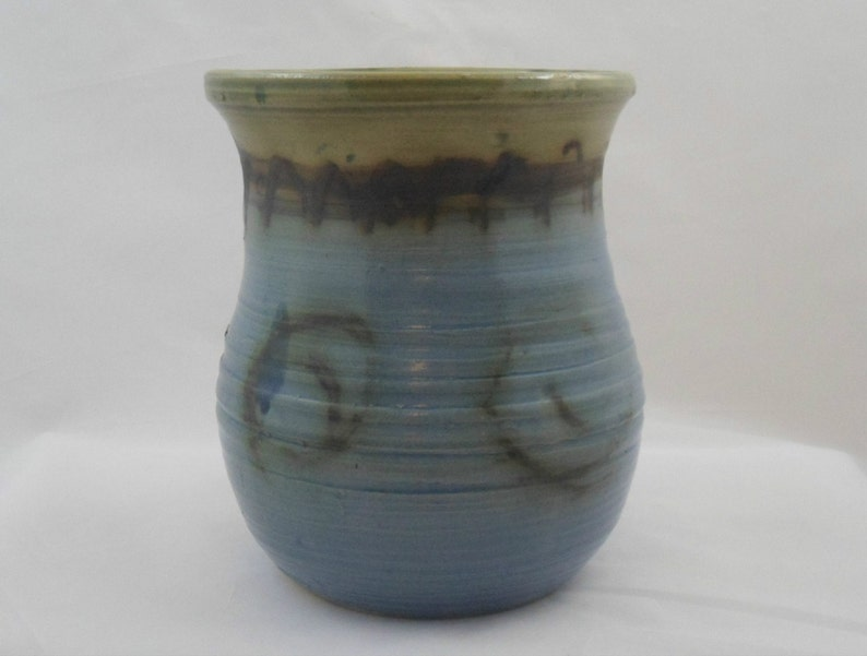 A large blue wide-rimmed  vase by Gerard Lyons of Moffatt pottery Scottish studio pottery by highly-regarded singing potter from Moffat