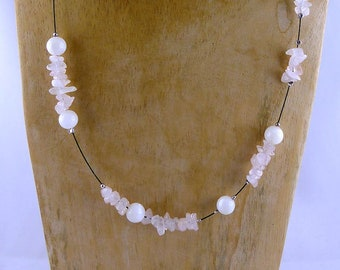 "ROSE QUARTZ NACRE Necklace ""Mellum"" sustainable fashion woman's gift friend sister mother, innocence natural design white rose shades unique"