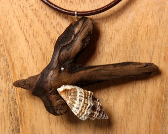 WANGEROOGE DRIFTWOOD SHELL leather necklace 925 Sterling Silver, brown leather straps natural reclaimed jewelry, unique sustainable fashion