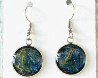 Hand-painted turquoise earring