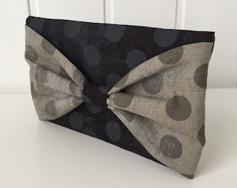 Pouch, mobile phone case, phone case, smartphone case, phone holder, mobile phone, smartphone holder, bow, polka dots, black