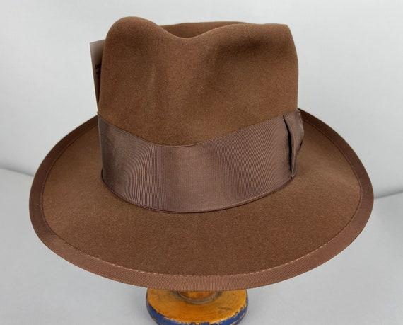 "1940s Gumshoe Fedora | Vintage 40s Milk Chocolate Brown Beaver Felt ""Ye Old Hatters"" Hat with Grosgrain Trim Wind Button | Size 7 1/8 Medium"