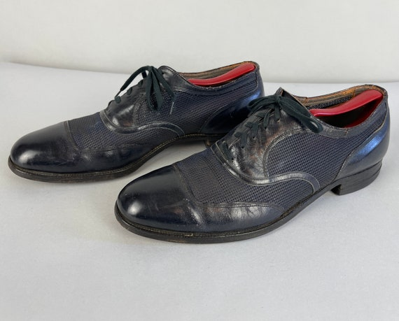 1940s Ventilated Mens Oxfords | Vintage 40s Midnight Black Tone on Tone Apron Toe Summer Shoes by 'Bostonian' | Size 10.5
