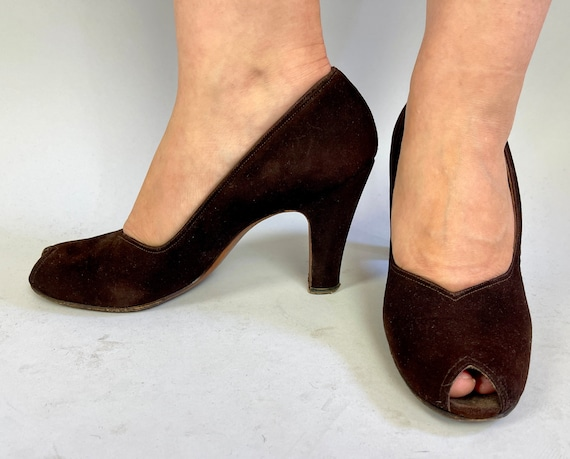 """1940s Magnificent """"Martinique"""" Baby Doll Pumps 