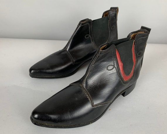 1960s Beatnik Boots | Vintage 60s Black Leather Beatle Chelsea Ankle Shoes with Red Accent and Western Seaming | US Size 10