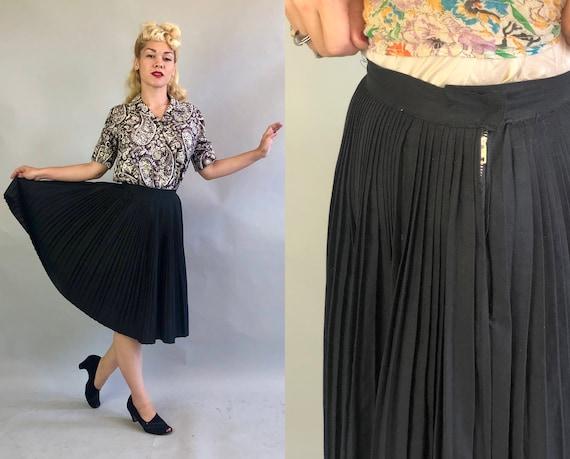 1940s Collegiate Skirt   Vintage 40s Jet Black Cotton Heavily Knife Pleated Schoolgirl Full Skirt   Extra Small XS