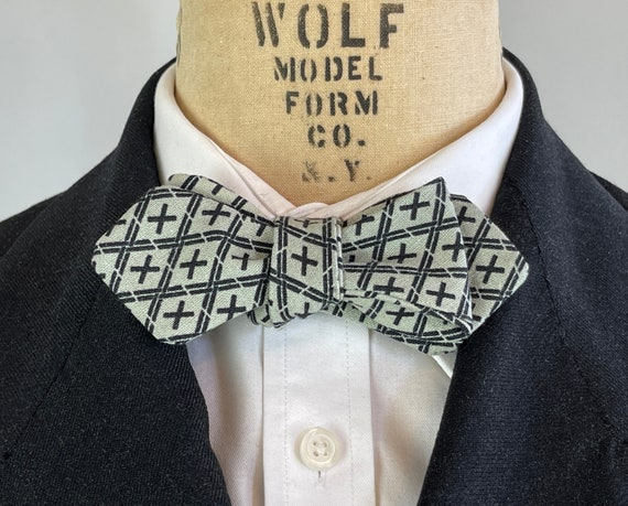 1930s Style Double Plus Good Bowtie | Black Tic-Tac-Toe on Dove Grey Linen Filled w/ Positivity Adjustable Batwing Diamond Tip Self Bow Tie