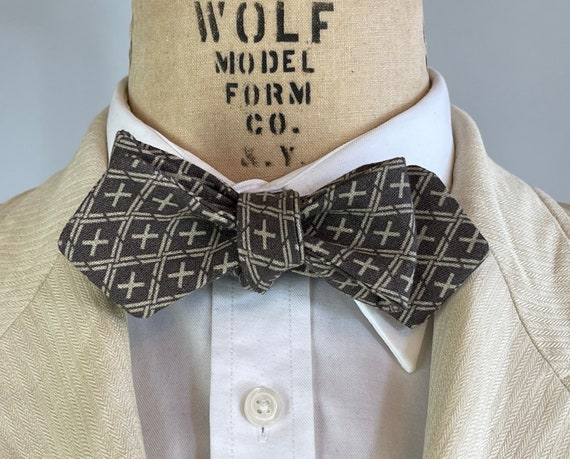 1930s Style Double Plus Good Bowtie | Khaki Tic-Tac-Toe on Chocolate Linen Filled w/ Positivity Adjustable Batwing Diamond Tip Self Bow Tie