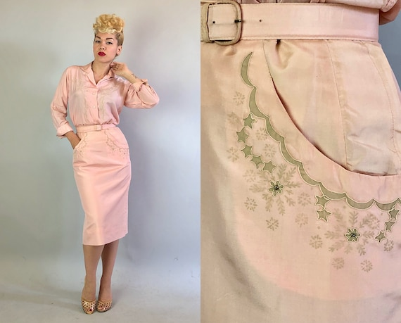 Vintage 1950s Dress Set | 50s Blush Pink Silk Western Blouse Top and Pencil Skirt w/Grey Gray Stars Snowflakes Flowers & Rhinestones | Small