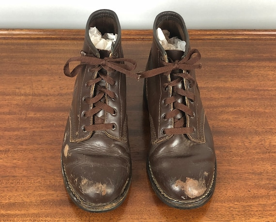 Vintage 1960s Men's Shoes | 60s Dark Chocolate Brown Leather Lace Up Army Military Hiking Boots | Size 8.5