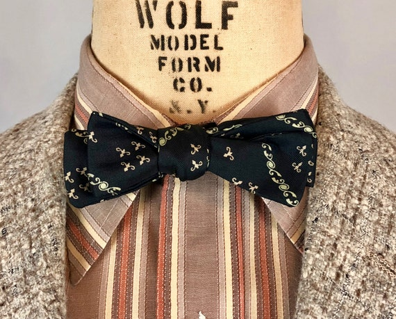 """1950s Mens """"Hollyvogue"""" Bowtie   Vintage 50s Black Silk Self-Tie Bow Tie with Pale Green & Pink Motifs"""