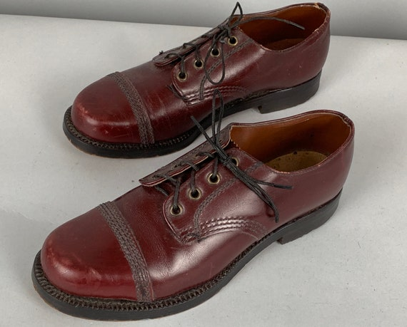 1940s Womens Oxfords | Vintage 40s Oxblood Burgundy Red and Black Lace Up Leather Cap Toe Shoes with Decorative Topstitching | US Size 6.5