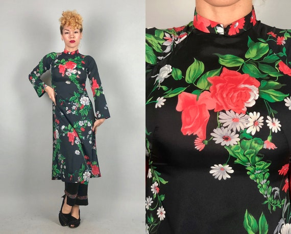 Vintage 1960s Coat Dress | 60s Dark Navy Blue Cheongsam QiPoa OverDress Lounge Coat w/Red Roses & White Daisies Flowers | Extra Small XS