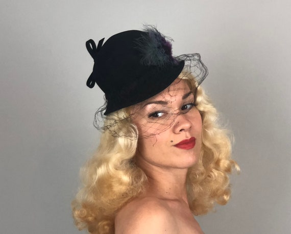 Vintage 1940s Hat | 40s 'Parfait' Black Felt Mini Cloche Fascinator with Dove Teal Gray and Dark Magenta Purple Feather Accents