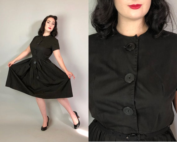 1950s Gothic Sun Dress | Vintage 50s Inky Black Cotton Day Summer Dress with Large Cateye Button Shirtwaist and Giant Patch Pockets | Medium