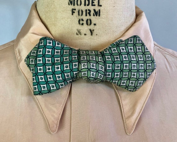 1940s Dapper Dan Bowtie | Vintage 40s Batwing Viridian Green w/Black & White Geometric Pattern Silk Self Tie Adjustable Diamond Tip Bow Tie