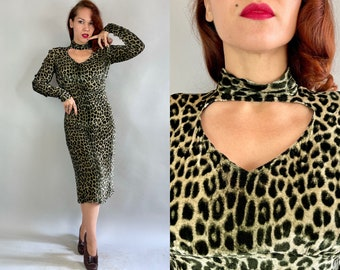 "1940s Feline Femme Fatale Frock | Vintage 40s Leopard Print Rayon Velvet Dress with Keyhole Pointed Cuffs and Bell ""Talon"" Zipper | Medium"