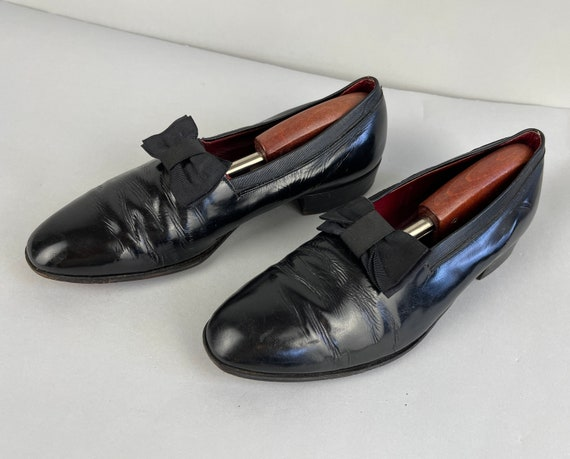 1930s Formal Frank Opera Slippers | Vintage 30s Black Patent Leather Slip on Tuxedo Shoes with Grosgrain Ribbon Bow by Aristocraft | Size 8