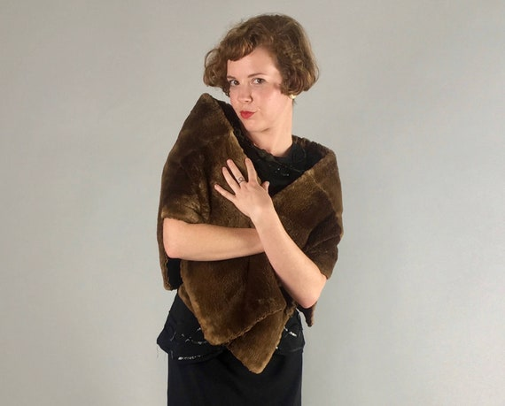 Vintage 1930s Stole | Gorgeous 30s Chocolate Brown Mouton Fur Wrap Lined in Deep Brown Floral Damask with Pocket!