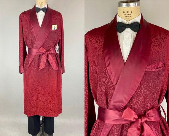 1940s Charming Charles Smoking Jacket   Vintage 40s Burgundy Wine Red Satin Tone on Tone Atomic Print Lounge Robe with Self Tie Belt   Large