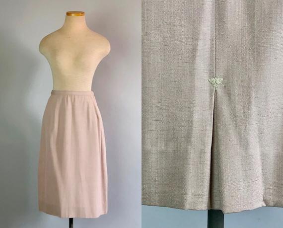 Vintage 1940s Skirt | 40s Adorable Pale Pink Silk Noil Raw Silk Pencil Skirt w/ Arrow Box Kick Pleat & Opal Button Closure | Extra Small XS
