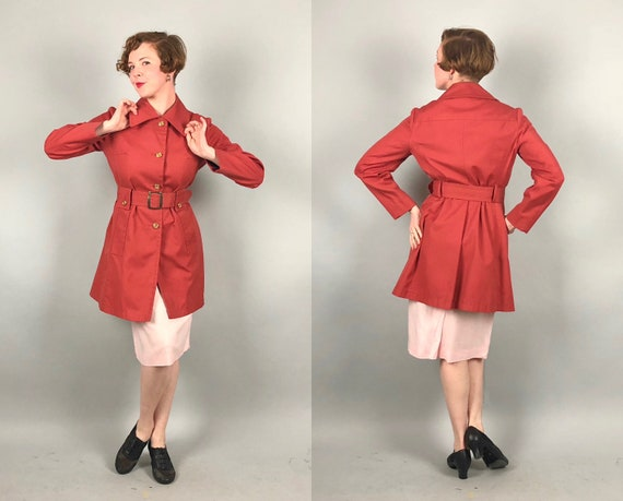 1970s Coral Pink Trenchcoat | Vintage 70s 'London Fog' Deep Salmon Red Coat with Enameled Brass Buttons and Oversize Buckle | Medium-ish