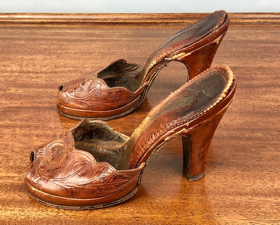 1940s Tooled Leather Platform Shoes | Vintage 40s Burnt Caramel Brown Floral High Heel Peeptoe Sandals Mules Pumps | Size US 6.5 EU 37