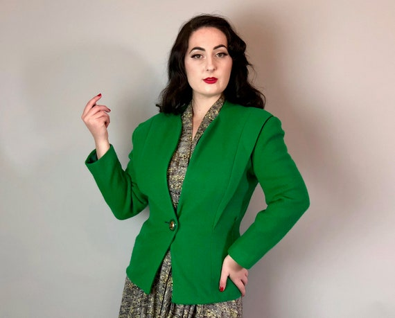 Vintage 1940s Blazer | 40s Lime Green Lightweight Wool Jacket with Large Golden Heart Button, Shoulder Pleats, and Hourglass Shape | Small