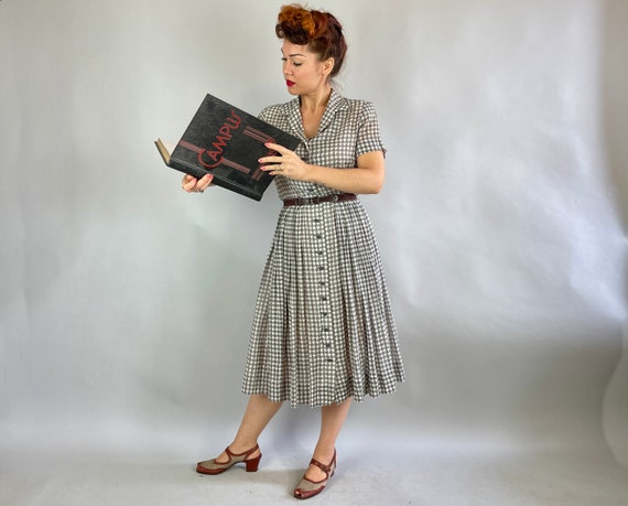 Size M 1940/'s Houndstooth beige and brown rayon dress 40/'s Long sleeves rayon and velvet dress