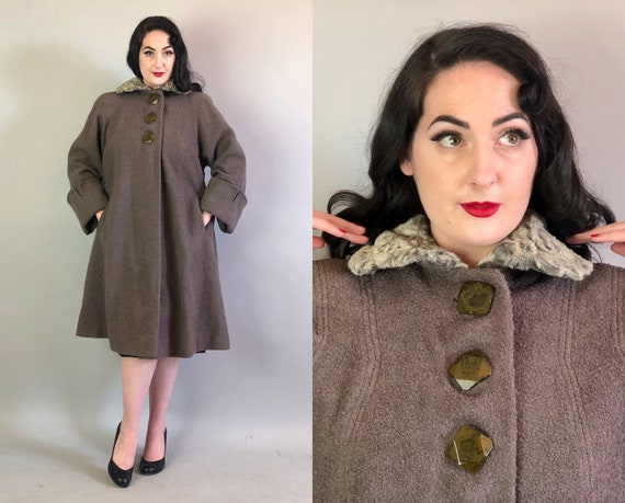 1940s Pewter Grey Swing Coat   Vintage 40s Boucle Wool Coat with Unique Green Marbled Buttons & Silver Sheared Fur Collar   Large