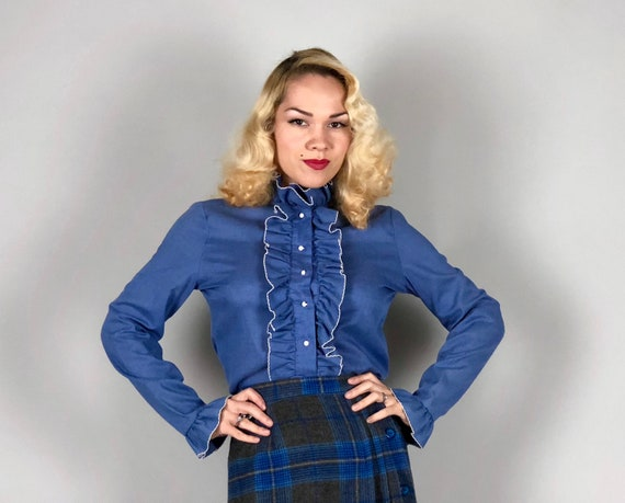"""Vintage 1960s Blouse 