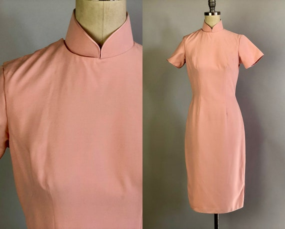 1950s Rose Petal Pink Cheongsam | Vintage 50s Pale Pink Rayon Cotton Classic Qi Pao Day Dress with Silk Lining & Piped Trim | XS Extra Small