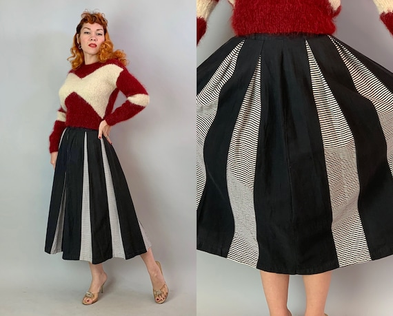 1950s Hypnotic Helen Monochromatic Skirt | Vintage 50s Black and White Cotton A Line Skirt with Striped Knife Pleat Panels | Extra Small XS
