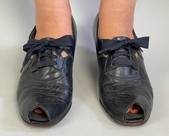 1930s Summer Sassy Oxfords | Vintage 30s Navy Blue Leather Low Heel Peep Toe Lace Up Shoes w/Decorative Perforation & Stitching | Size US 10