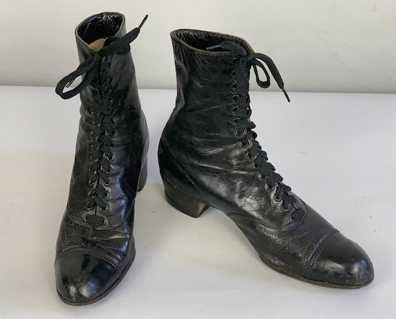 1900s Victorian Leather Boots | Vintage Antique Edwardian Black Lace Up Witchy Shoes with Stacked Heel and Cap Toe | US Size 6.5