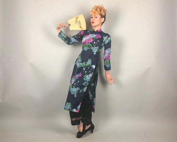 Vintage 1960s Coat Dress | 60s Navy Blue Cheongsam QiPoa OverDress Lounge Coat w/ Blue Red Green & Purple Flowers | Extra Small XS