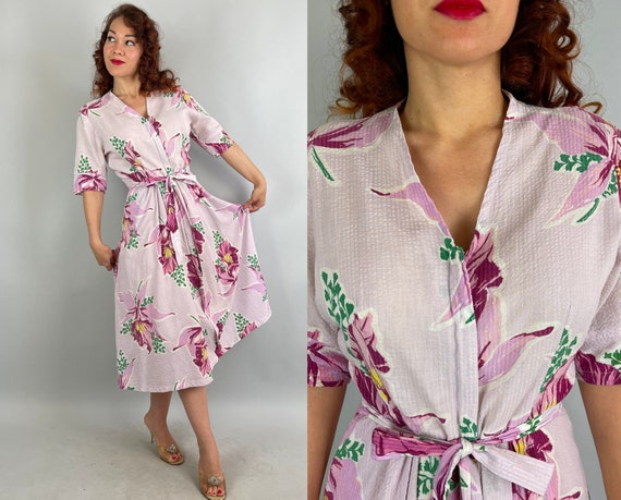 1940s Happy Hostess Dressing Gown | Vintage 40s Pink Purple Green Yellow Floral Seersucker Cotton Zip Front Robe | Large Extra Large XL