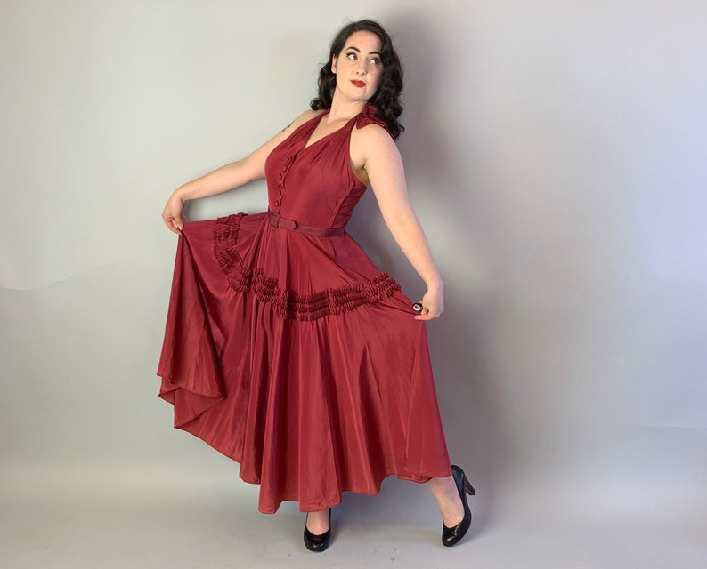 Medium Vintage 40s Merlot Rayon Taffeta Cocktail Party Frock wHalter Neck Bow /& Belt by Goth\u00e9 1940s Intoxicating Isabel Designer Dress