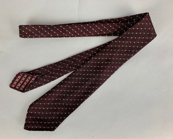 "1940s Dapper Dan Necktie | Vintage 40s Maroon Red and Silver White Diamond Pattern ""Terylene"" Self Tie"