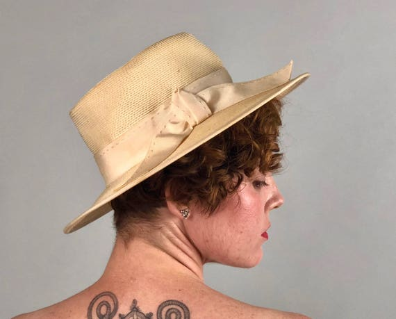 Vintage 1950s 1960s Hat | 50s 60s Cream White Woven Straw Sun Hat With Topstitched Grosgrain Ribbon Trim & Hat Band