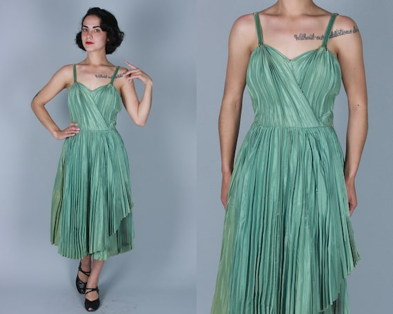 Vintage 1940s 1950s Dress | 40s 50s Accordion Pleated Deco Green Taffeta Cocktail Party Dress with Velvet Straps & Sweetheart Bodice | Small