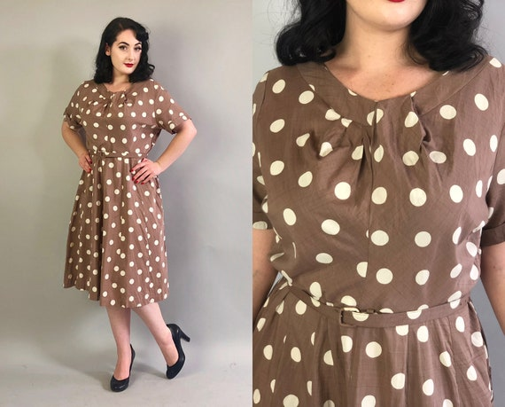 Early 1950s Polka Dots Dress | Vintage 50s Taupe Brown w/White Raw Silk Day Dress w/Pleated Neckline Detail and Belt Volup | Extra Large XL