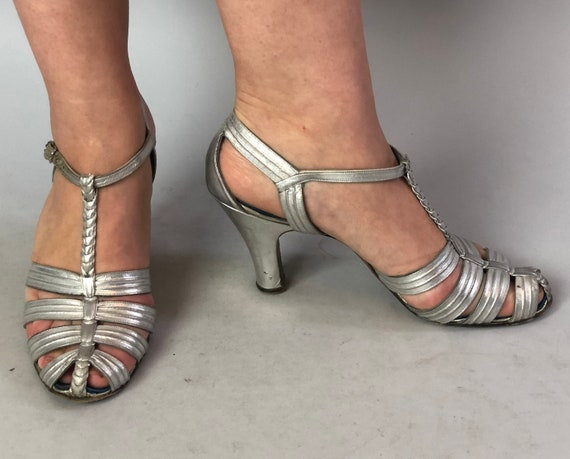 1930s Silver Screen Dancer Heels | Vintage 30s Metallic Leather Strappy Evening Sandal T Strap Shoes w/Rhinestone Buckle | US Size 7.5