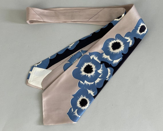 1940s Tiki Tu-Tones Necktie | Vintage 40s Tropical Floral Hibiscus Flowers in Slate Blue and Silver Grey Silk Self Tie by 'Haband'