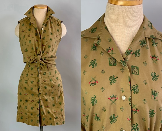 1950s Playful Patty Play Set   Vintage 50s Khaki Cotton Blouse and Shorts w/Green & Pink Coat of Arms Motif Novelty Print   Extra Small XS