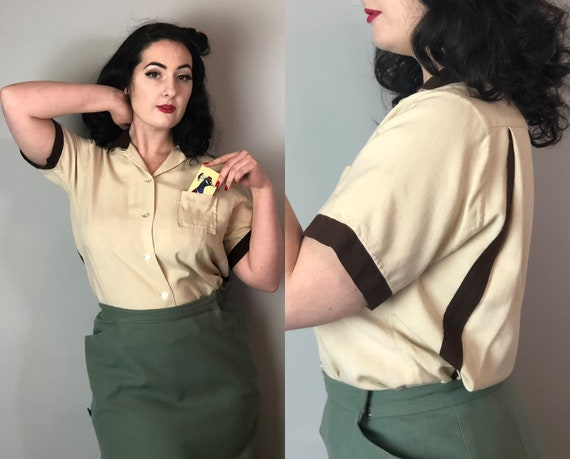 1950s Bowling Shirt | Vintage Midcentury 50s Two Tone Cream White & Chocolate Brown Cotton Blouse w/ Action Back Panels and Pocket! | Large