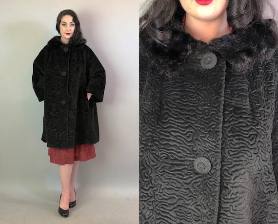 1950s Beaver Fur Collar Coat   Vintage 50s Fantastic Textured Plush Black Velvet Swing Coat Overcoat with Curly Lamb Treatment   Large